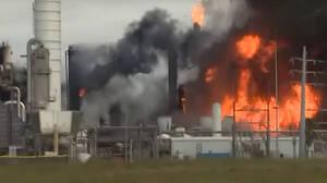 Συναγερμός στο Τέξας: Οι Αρχές εκκενώνουν πόλεις μετά από νέα έκρηξη σε εργοστάσιο χημικών
