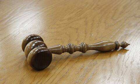 Ηράκλειο: Αναβολή για τη δίκη του γιατρού που κατηγορείται για δωροληψία