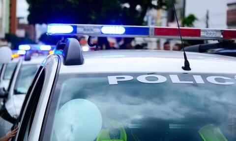 Τον σταμάτησε η Αστυνομία για έλεγχο - «Πάγωσαν» μόλις είδαν τι είχε στο αμάξι του (pics)