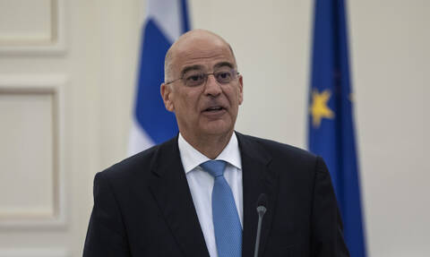 «Συναγερμός» για το «μοίρασμα» της Μεσογείου από Τουρκία – Λιβύη: Ο Δένδιας καλεί τον Τούρκο πρέσβη