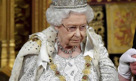 «Βόμβα» της Sun: Παραιτείται η βασίλισσα Ελισάβετ