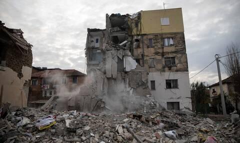 Σεισμός Αλβανία: Ξεκληρίστηκε 9μελής οικογένεια – Μητέρα βρέθηκε νεκρή αγκαλιά με τα παιδιά της