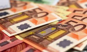 Βρέχει χρήματα: Νωρίτερα θα πληρωθούν τα επιδόματα - Πότε θα καταβληθούν οι συντάξεις