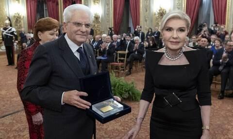 Συμβολικό χρυσό κλαδί ελιάς στον πρόεδρο της Ιταλίας παρέδωσε η Μαριάννα Βαρδινογιάννη (pics)