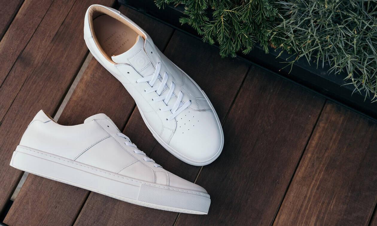 Τα καλύτερα λευκά παπούτσια για να αγοράσεις!