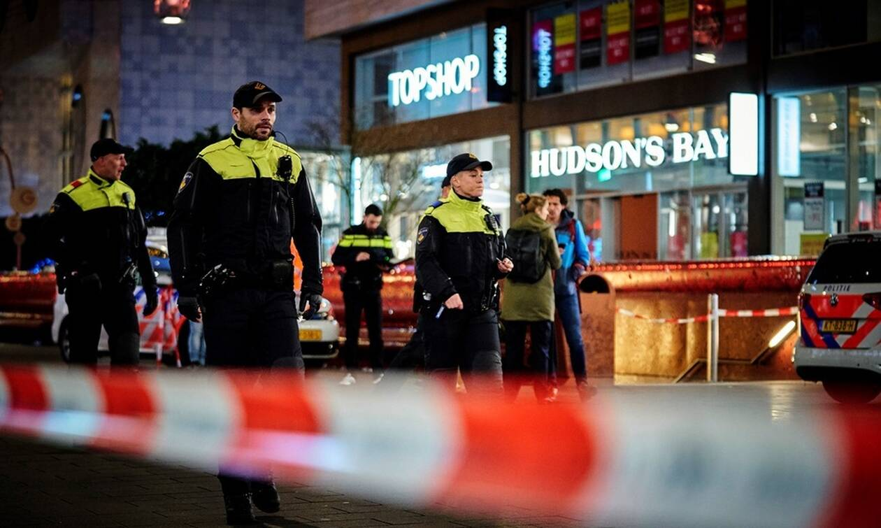 Συναγερμός στην Χάγη: Επίθεση με μαχαίρι σε κεντρικό εμπορικό δρόμο