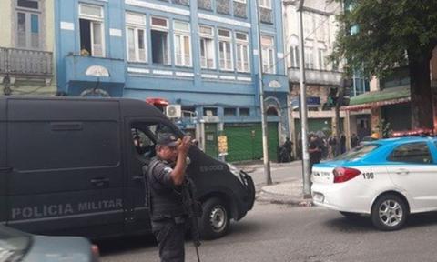 Συναγερμός στο Ρίο Ντε Τζανέιρο: Ένοπλος κρατάει ομήρους σε μπαρ