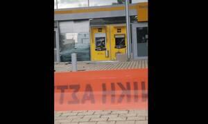 Βριλίσσια: Εισβολή με αυτοκίνητο σε τράπεζα (pics)