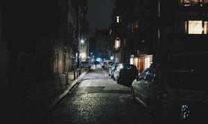 Μυθικός διάλογος σε πολυκατοικία για το πάρκινγκ (pics)