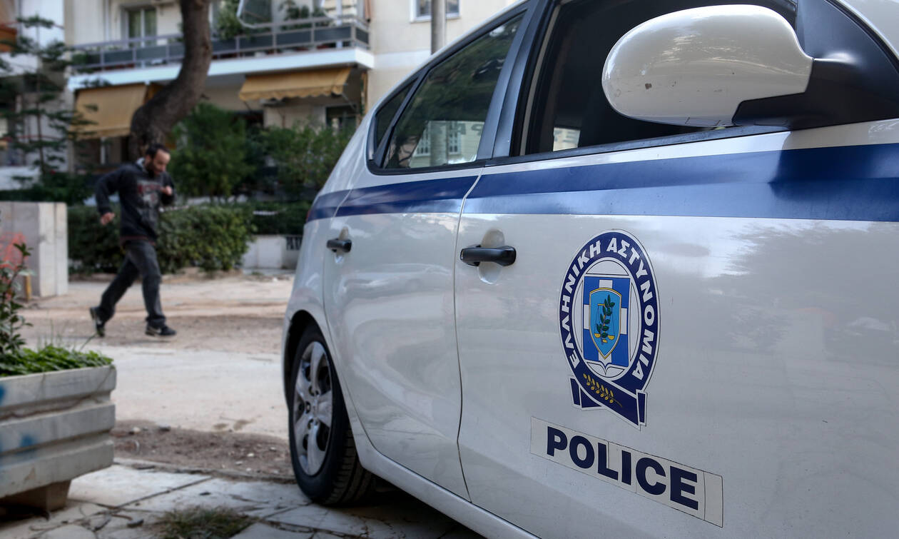 Έγκλημα στους Αγίους Αναργύρους: Νεκρός άνδρας μέσα στο σπίτι του - Βρέθηκε μαχαιρωμένος