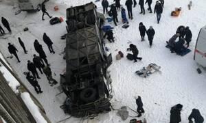 Φρικτό τροχαίο στη Ρωσία: Λεωφορείο έπεσε σε ποτάμι - 19 νεκροί