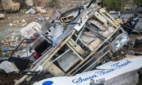 Τραγωδία στην Τυνησία: Τουλάχιστον 24 άνθρωποι σκοτώθηκαν από την πτώση λεωφορείου σε χαράδρα