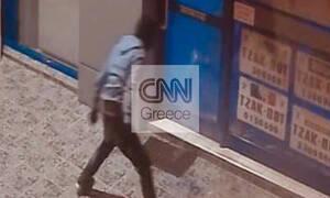Φωτογραφία – ντοκουμέντο: Πώς δρούσε νεαρός που είχε «ρημάξει» καταστήματα στα νότια προάστια
