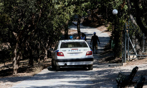 Σάμος: Πυροβόλησε τον αδελφό του και αναζητείται σε όλο το νησί