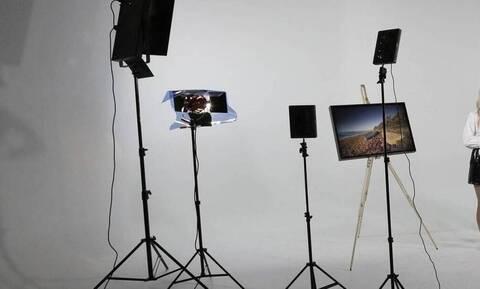 «Κόλαση»: Ελληνίδα παρουσιάστρια ποζάρει με εσώρουχα στον Πύργο του Άιφελ (pics)
