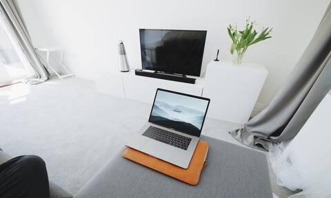 ΠΡΟΣΟΧΗ: Έχεις Smart TV; Δες από τι κινδυνεύεις (pics)