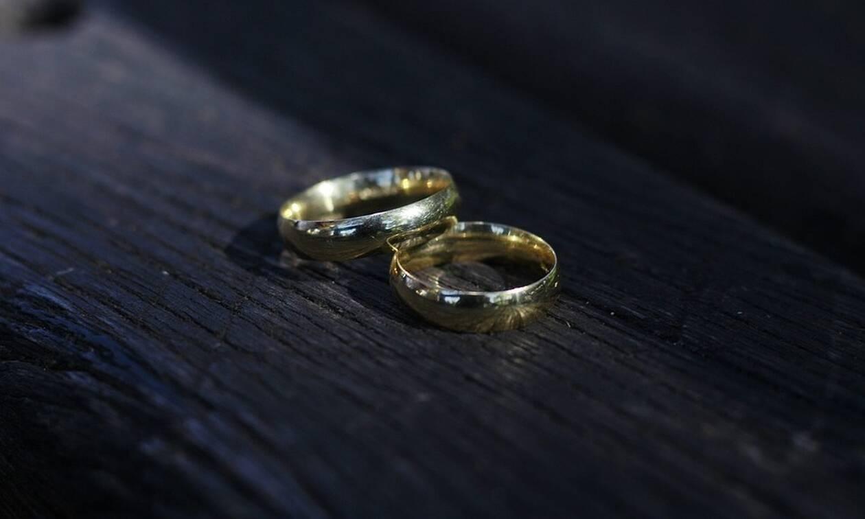 Χαμός στα Τρίκαλα: Θυελλώδες διαζύγιο - Μήνυσε την πεθερά της για ξυλοδαρμό