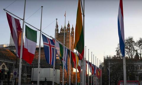 Мицотакис принимает участие в юбилейном саммите НАТО в Лондоне