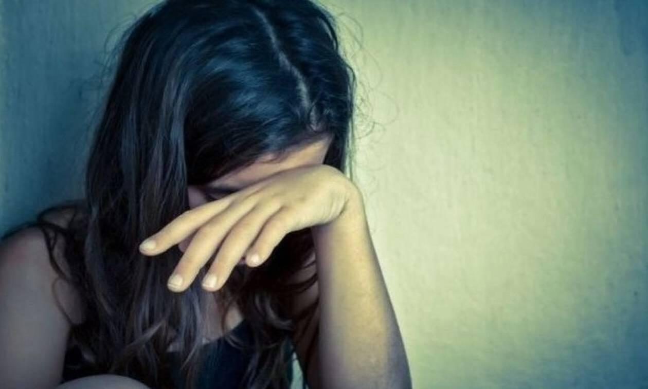 Γρεβενά: Ο 45χρονος αποπλάνησε την 12χρονη εν γνώσει της μητέρας της και τώρα ζητά…να την παντρευτεί