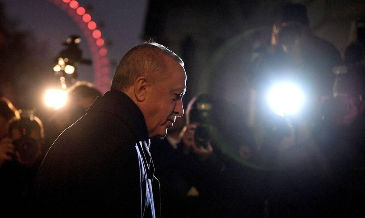 Ανεπιθύμητος ο Ερντογάν: Γιούχα και αποδοκιμασίες για τον «Σουλτάνο» στο Λονδίνο (vid)