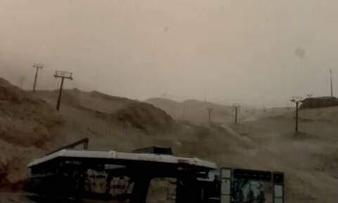 Καιρός - Live: Πυκνή χιονόπτωση τώρα στον Παρνασσό. Δείτε ζωντανή εικόνα (video)