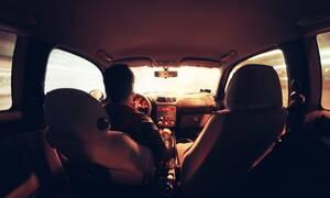 Απίστευτο: Εκνευρίστηκε με γυναίκα οδηγό – ΣΟΚΑΡΕΙ αυτό που της έκανε (pics)