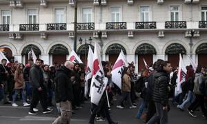 Σε εξέλιξη το φοιτητικό συλλαλητήριο στα Προπύλαια – Κλειστό το κέντρο της Αθήνας