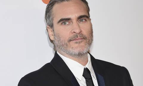 Ο Joaquin Phoenix ανακηρύχθηκε πρόσωπο της χρονιάς