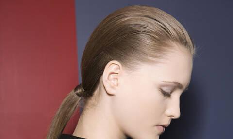 Δεν προλαβαίνεις να λουστείς; Έχουμε 10 χτενίσματα για πολύ… ΠΟΛΥ άλουστα μαλλιά!