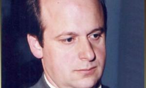 Μεσολόγγι: Σε κλίμα ένταση η δίκη για τη δολοφονία του δάσκαλου: «Η φωτιά σβήνει τα στοιχεία»