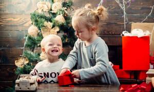 Πώς να οριοθετήσετε τις επιθυμίες του παιδιού σας μέσα στις γιορτές