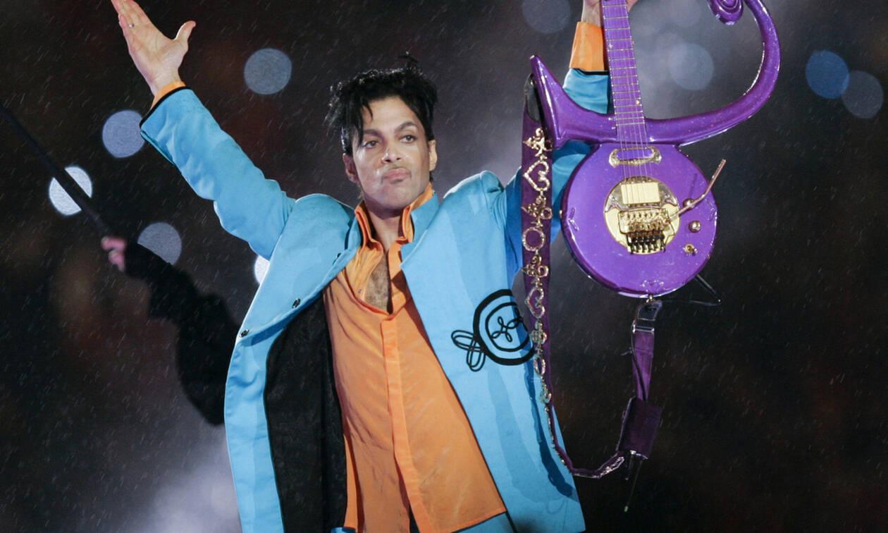 «Στο σφυρί» τα κοσμήματα του Prince