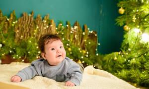 «Χριστούγεννα με ένα μωρό» - Ένα υπέροχο βίντεο που πρέπει να δείτε (vid)