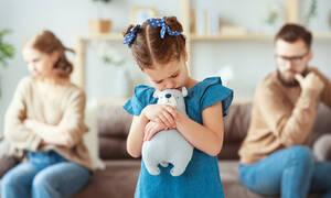 Πώς επηρεάζει το διαζύγιο τα παιδιά κάτω των έξι ετών;