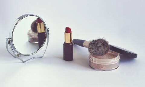 Προειδοποίηση ΕΟΦ: Επικίνδυνα καλλυντικά, μην τα χρησιμοποιείτε – Δείτε τη λίστα