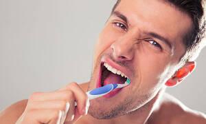 Με αυτές τις τροφές δεν σε νοιάζει αν θα πλύνεις δόντια