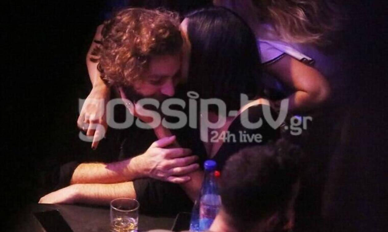 Αυτός είναι έρωτας! Πήγαν στον Μάλαμα και άρχισαν τις αγκαλιές και τα φιλιά (Photos)