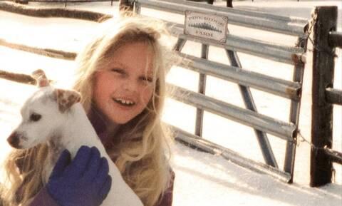 Την αναγνωρίζετε; Το μικρό κορίτσι είναι μία διάσημη τραγουδίστρια (pics+vid)