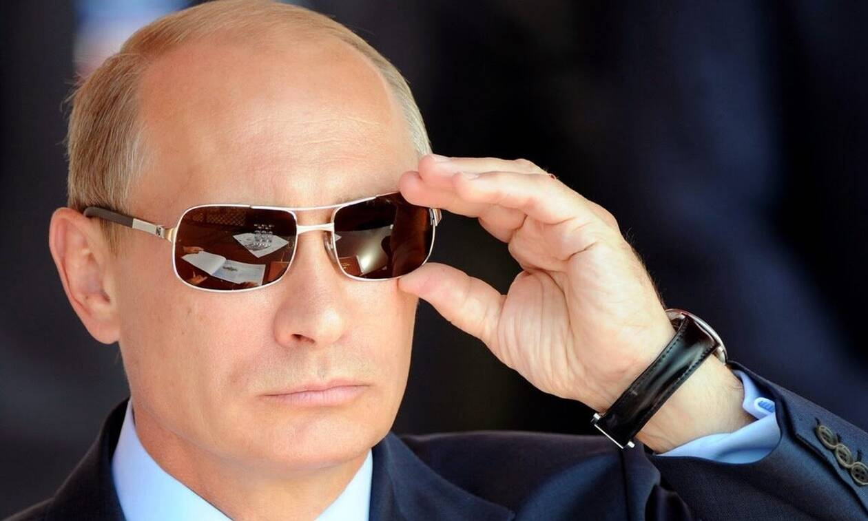 Πούτιν: Μυστήριο με τη βαλίτσα που έχει πάντα μαζί του - Δείτε τι έχει μέσα (pics)