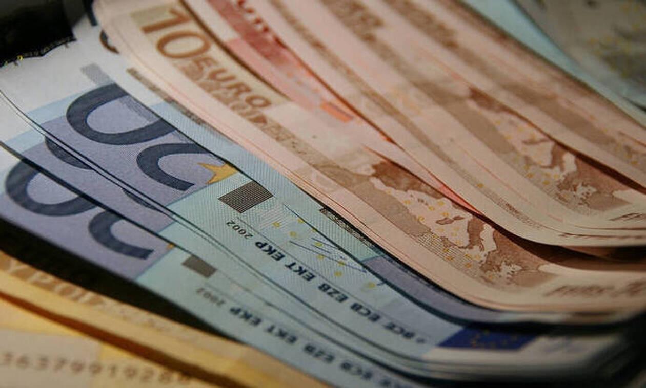 ΟΑΕΔ: Πόσα χρήματα θα πάρουν οι άνεργοι για δώρο Χριστουγέννων
