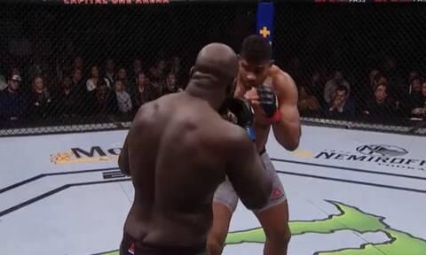 Σκληρές εικόνες: Απίστευτος τραυματισμός στο UFC!