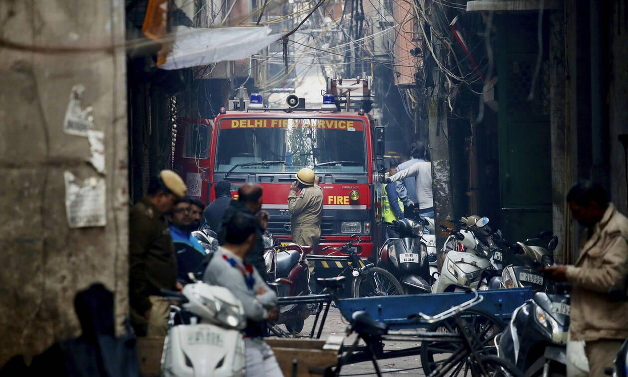 Ινδία: Δεκάδες νεκροί από πυρκαγιά σε εργοστάσιο στο Νέο Δελχί (video)