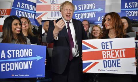 Βρετανία εκλογές: Αυξάνεται το προβάδισμα του Τζόνσον έναντι του Κόρμπιν
