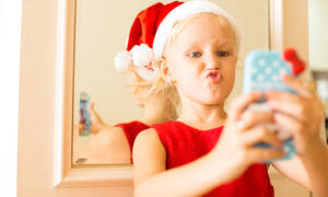 Εκτός ελέγχου: Το 50% των γονέων αφήνει τα παιδιά τους να περνούν ανεξέλεγκτα χρόνο στο διαδίκτυο