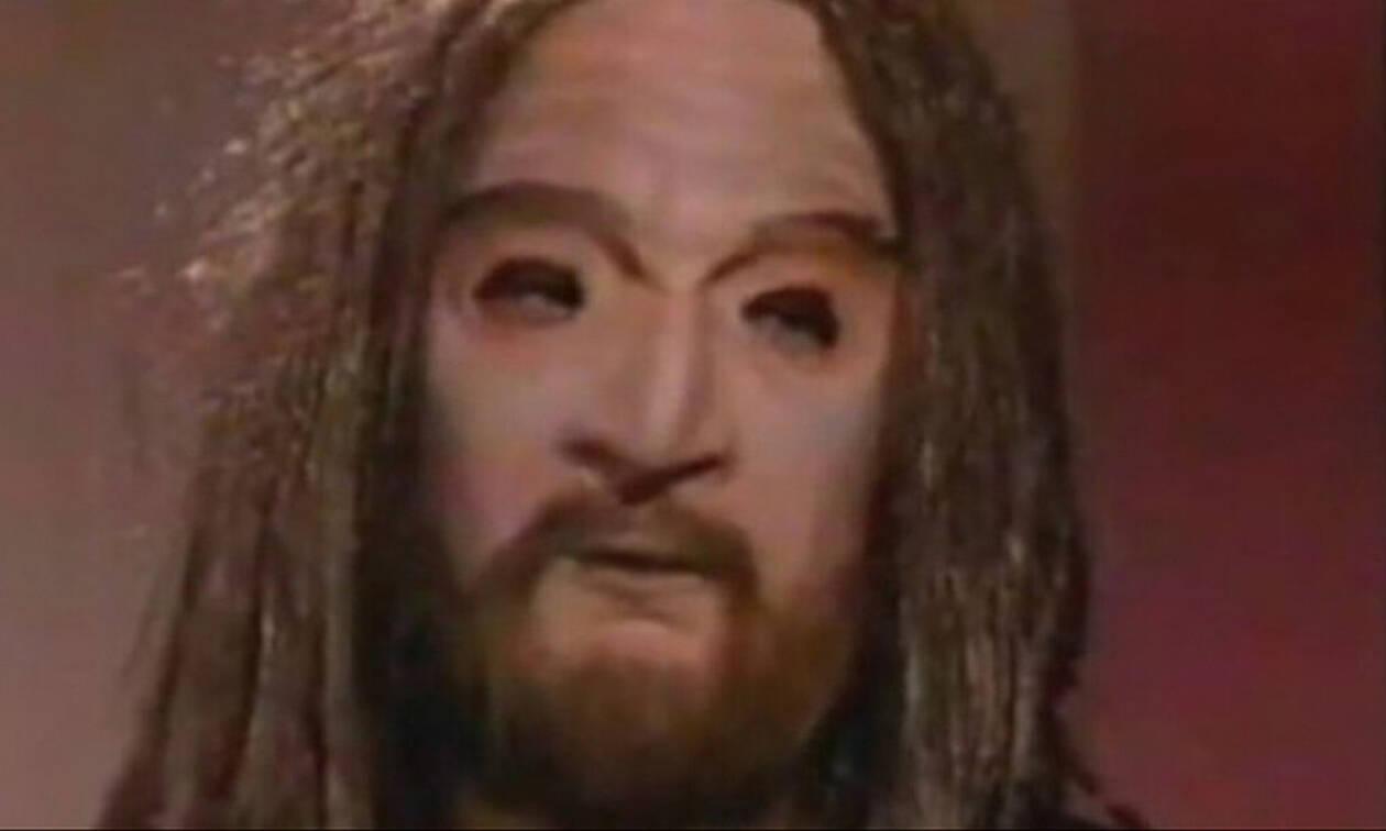 Λάμψη: Ποιος κρυβόταν πίσω από τη μάσκα του «Ευλογητού»;