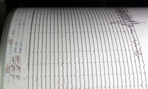 Light quake jolts Crete