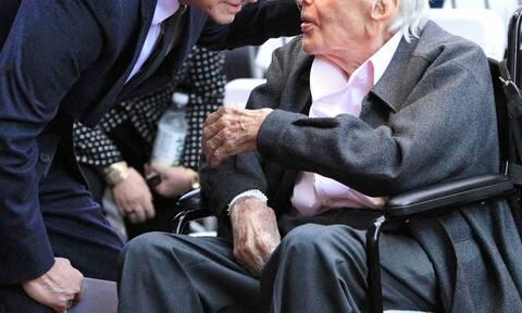 Ζει και βασιλεύει: Ο θρυλικός ηθοποιός έκλεισε τα 103 του χρόνια!