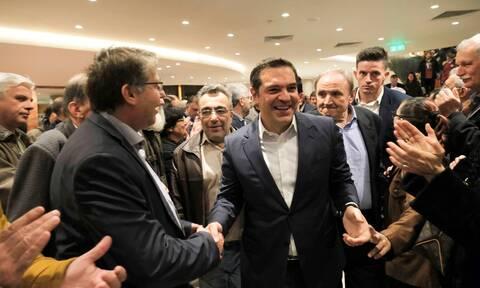 Πρόβα ΠΑΣΟΚ στον ΣΥΡΙΖΑ - Προσκλητήριο Τσίπρα κατά της Δεξιάς
