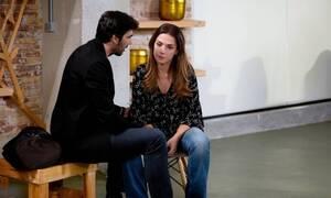 Έρωτας Μετά: Η Άννα αν και κλεισμένη στο υπόγειο βρίσκει τρόπο να επιτεθεί