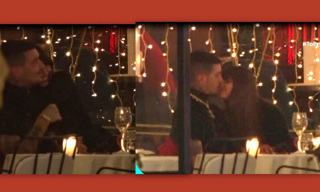Ηλιάνα Παπαγεωργίου- Snik: Καυτά φιλιά και αγκαλιές σε γνωστό εστιατόριο (Video & Photos)